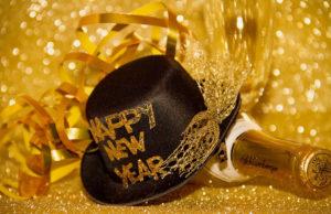 Cotillon et champagne pour nouvelle année