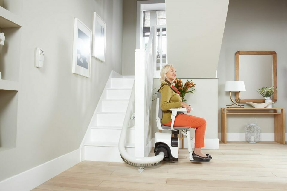 Le monte-escalier, un dispositif essentiel pour le confort des personnes âgées