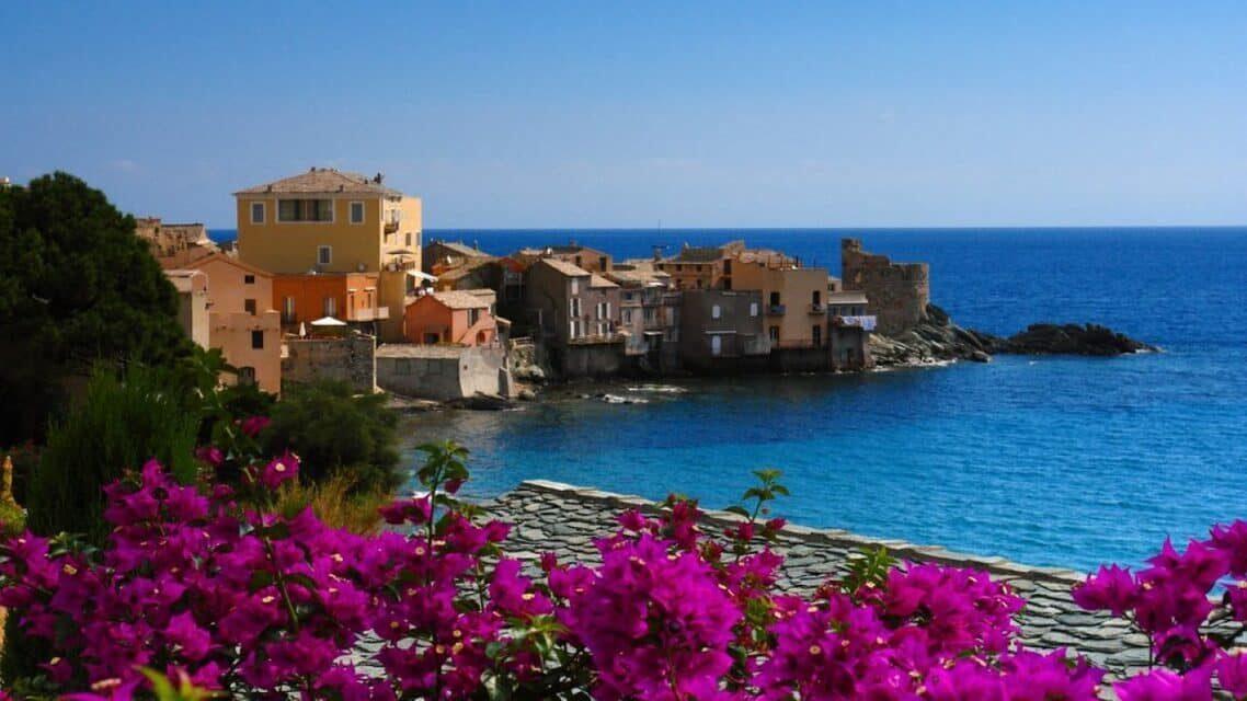 Corse : l'île où le travail et le jeu se rencontrent